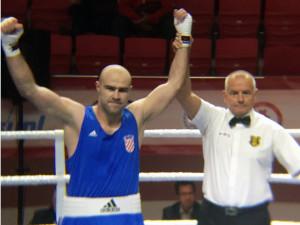 hrvatski teškaški reprezentativac alen babiæ pobijedio je latvijca nikolajsa grisuniinsa u prvom nastupu na olimpijskom kvalifikacijskom turniru u turskom samsunu