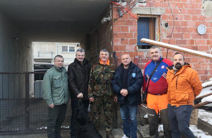 Čelništvo HBS-a podijelilo pomoć stradalima u potresu