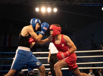 MLAĐI SENIORI U SUBOTICI Devet naših mladih boksača borit će se na Vojvođanskoj zlatnoj rukavici (1. do 5. rujna)