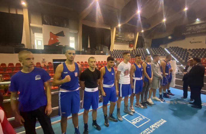 SJAJAN NASTUP BK NOKAUTA U AMMANU Naši mladi boksači trenera Yousefa Hasana iznenadili domaćine i sa 7:3 svladali reprezentaciju Jordana